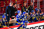 Stockholm 2014-05-03 Ishockey Oddset Hockey Games  Sverige - Finland :  <br /> Sveriges Oscar M&ouml;ller har kvitterat till 2-2 och klappas om av Sveriges head coach huvudtr&auml;nare Per M&aring;rts i b&aring;set<br /> (Foto: Kenta J&ouml;nsson) Nyckelord:  Oddset Hockey Games Sverige Swe Tre Kronor Finland Fin Globen Ericsson Globe Arena jubel gl&auml;dje lycka glad happy