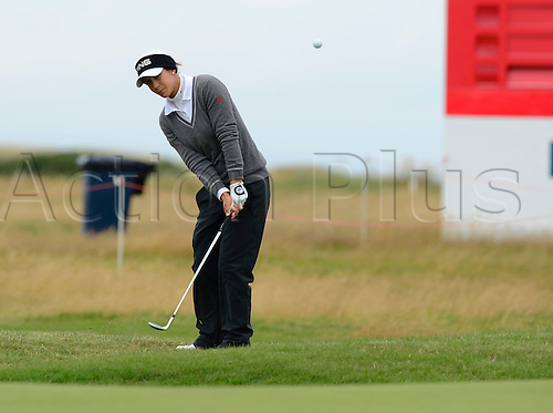 31.07.2015. Turnberry, Scotland. Ricoh Womens British Open Golf Round 2. Azahara Munoz chips to the 18th , on a cool day on the course.