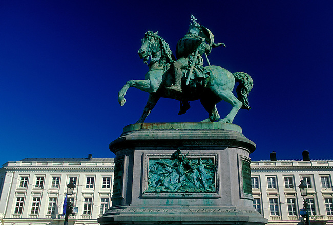 Equestrian statue of Godfrey de Bouillon, Royal Square, city of Brussels, Brussels Capital Region, Belgium, Europe