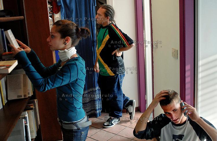 Italia, Milano,  23/09/2007. .Giovani, cohousing..© Andrea Pagliarulo