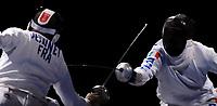 un attacco di Matteo Tagliarol in finale contro il francese Fabrice Jennet. Tagliarol ha vinto la prima medaglia d'oro per l'Italia<br /> Fencing Hall - Men's Individual Epee - Spada<br /> Pechino - Beijing 10/8/2008 Olimpiadi 2008 Olympic Games<br /> Foto Andrea Staccioli Insidefoto