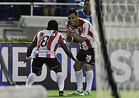 BARRANQUIILLA - COLOMBIA, 19-09-2017: Yimmi Chara (Izq) del Atlético Junior de Colombia celebra con Teofilo Gutierrez después de anotar el tercer gol de su equipo a Cerro Porteño de Paraguay durante partido de vuelta por los octavos de final, llave 5, de la Copa CONMEBOL Sudamericana 2017  jugado en el estadio Metropolitano Roberto Meléndez de la ciudad de Barranquilla. / Yimmi Chara player of Atlético Junior of Colombia celebrates with Teofilo Gutierrez after scoring the third goal of his team to Cerro Porteño of Paraguay during second leg match for the eight finals, key 5, of the Copa CONMEBOL Sudamericana 2017played at Metropolitano Roberto Melendez stadium in Barranquilla city.  Photo: VizzorImage / Gabriel Aponte / Staff