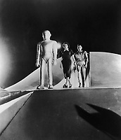 The Day the Earth Stood Still (1951) <br /> Michael Rennie &amp; Patricia Neal<br /> *Filmstill - Editorial Use Only*<br /> CAP/KFS<br /> Image supplied by Capital Pictures
