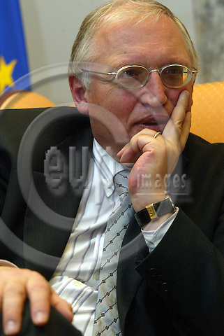 Belgium-- Brussels---Commission  14.01.2004.Guenter VERHEUGEN, Commissioner for Enlargement. PHOTO: EUP-IMAGES / ANNA-MARIA ROMANELLI
