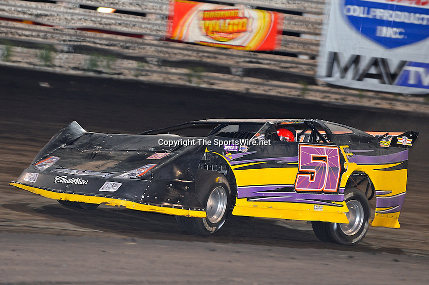 Sep 26, 2013; 7:21:25 PM; Knoxville, IA., USA; 10th Annual Lucas Oil Late Model Knoxville Nationals presented by Caseys General Stores at the Knoxville Raceway.  Mandatory Credit: (thesportswire.net)