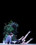 SHOWROOMDUMMIES<br /> <br /> Choregraphie : BIDEAU REY Etienne,VIENNE Gisele<br /> Mise en scene : BIDEAU REY Etienne,VIENNE Gisele<br /> Lumiere : RIOU Patrick<br /> Costumes : ONA SELFA Jose Enrique<br /> Avec :<br /> CAPDEVIELLE Jonathan<br /> DEPAUW Gael<br /> MARIE Guillaume<br /> MOUSSELLET Anne<br /> ROTTGERKAMP Anja<br /> NORIKO Tujiko<br /> Lieu : Grand theatre du Quartz<br /> Cadre : Festival Les Antipodes<br /> Ville : Brest<br /> Le : 26 02 2009<br /> &copy; Laurent Paillier www.photosdedanse.com