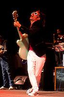 Sao Paulo_SP, Brasil..Virada Cultural em Sao Paulo, Sao Paulo. Na foto o musico Os musicos Max de Castro..Virada Cultural in Sao Paulo, Sao Paulo. In the musician Max de Castro...Foto: MARCUS DESIMONI / NITRO