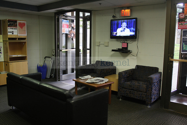 Lobby in Blanding 1 in Lexington, Ky. Photo by Quianna Lige | Staff