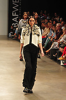 BUENOS AIRES, ARGENTINA, 01 MARÇO 2013 - BUENOS AIRES FASHION WEEK - Desfile da grife Lucia Belaustegui no quarto dia de desfiles da Buenos Aires Fashion Week, no La Rural, em Buenos Aires, Argentina, neste sexta-feira, 01.  (FOTO: PATRICIO MURPHY / BRAZIL PHOTO PRESS).