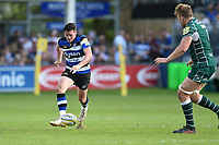 Freddie Burns of Bath Rugby puts boot to ball. Aviva Premiership match, between Bath Rugby and London Irish on May 5, 2018 at the Recreation Ground in Bath, England. Photo by: Patrick Khachfe / Onside Images