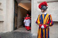 Vatican City, November 19, 2016. Un cardinale lascia la Basilica di San Pietro al termine della cerimonia di canonizzazione. Cardinals leave the St. Peter Basilica at the end of the consistory ceremony.
