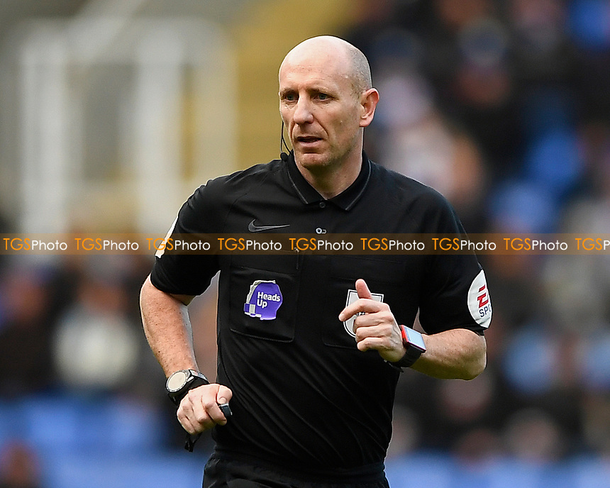 Referee Andy Davies during Reading vs Hull City, Sky Bet EFL Championship Football at the Madejski Stadium on 8th February 2020