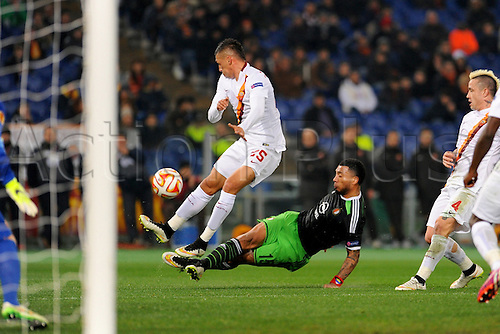 19.02.2015. Stadio Olimpico, Rome, Italy. Europa Cup football. AS Roma versus Feyenoord.  COLIN KAZIM RICHARDS Challenges JOSE' JOLEBAS