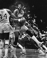 Chicago Bulls Norm Van Lier.<br /> (1977 photo/Ron Riesterer)