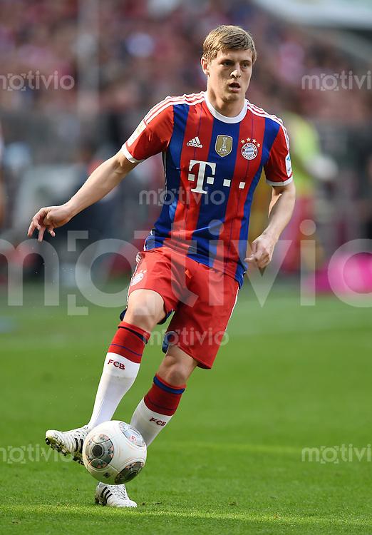 FUSSBALL   1. BUNDESLIGA   SAISON 2013/2014  34. SPIELTAG FC Bayern Muenchen - VfB Stuttgart             10.05.2014 Toni Kroos (FC Bayern Muenchen) am Ball