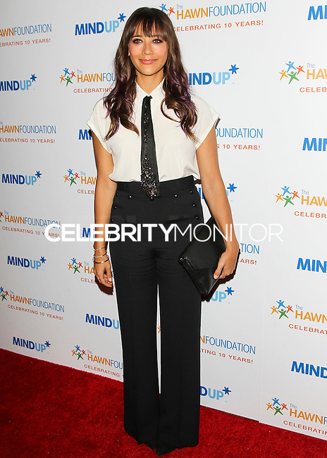 BEVERLY HILLS, CA, USA - NOVEMBER 21: Rashida Jones arrives at Goldie Hawn's Inaugural 'Love In For Kids' Benefiting The Hawn Foundation's MindUp Program held at Ron Burkle's Green Acres Estate on November 21, 2014 in Beverly Hills, California, United States. (Photo by Celebrity Monitor)