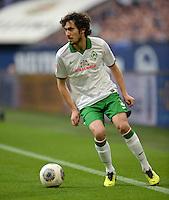 FUSSBALL   1. BUNDESLIGA   SAISON 2013/2014   12. SPIELTAG FC Schalke 04 - SV Werder Bremen                           09.11.2013 Santiago Garcia (SV Werder Bremen) am Ball