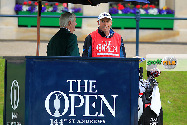 Steve Williams (Caddy) speaking to Ivor Williams during the final round on Monday of the 144th Open Championship, St Andrews Old Course, St Andrews, Fife, Scotland. 20/07/2015.<br /> Picture: Golffile | Fran Caffrey<br /> <br /> <br /> All photo usage must carry mandatory copyright credit (&copy; Golffile | Fran Caffrey)