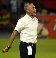 BARRANQUILLA- COLOMBIA -21-05-2016: Alexis Mendoza, técnico de Atletico Junior, durante partido entre Atletico Junior y Cortulua, de la fecha 19 de la Liga Aguila I-2016, jugado en el estadio Metropolitano Roberto Melendez de la ciudad de Barranquilla. / Alexis Mendoza, coach of Atletico Junior, during a match between Atletico Junior and Cortulua, for date 19 of the Liga Aguila I-2016 at the Metropolitano Roberto Melendez Stadium in Barranquilla city