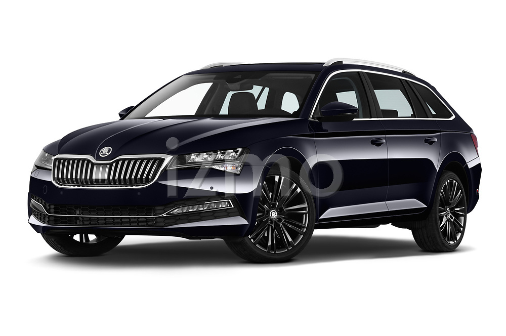 Stock pictures of low aggressive front three quarter view of 2020 Skoda Superb 5 Door Wagon Low Aggressive