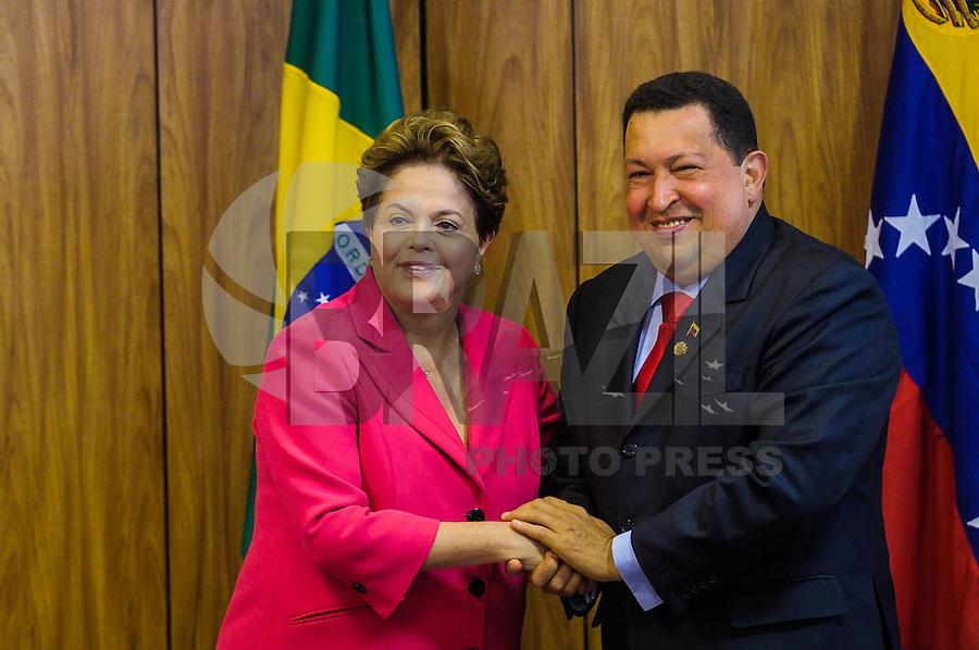 *** FOTO ARQUIVO DE 31/07/2012 /HUGO CHAVEZ*** A presidente Dilma Rousseff recebe o presidente da Venezuela, Hugo Chávez, durante visita oficial para acordos comercias, no Palácio do Planalto, em Brasília, DF. (Brasília, DF, 31.07.2012.  Chávez morreu nesta terça-feira, 5, aos 58 anos. Ele estava internado em um hospital militar de Caracas após passar dois meses em Cuba tratando um câncer. 05/03/2013 FOTO: PEDRO FRANÇA /  BRAZIL PHOTO PRESS.