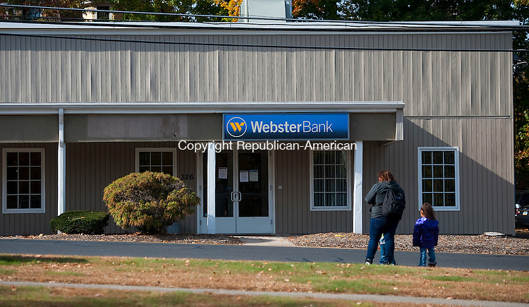 WATERBURY, CT--- -102215JS01---The Webster Bank branch, located at 326 Highland Avenue in Waterbury, was robbed on Thursday morning. <br /> Jim Shannon Republican-American