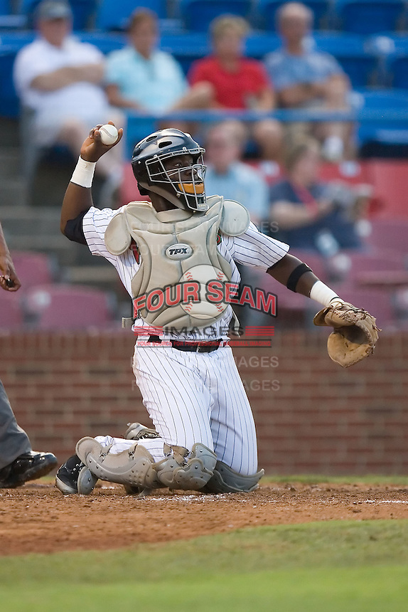 Catcher Francisco Hernandez (16) of the Winston-Salem Warthogs on defense at Ernie Shore Field in Winston-Salem, NC, Thursday July 27, 2008. (Photo by Brian Westerholt / Four Seam Images)