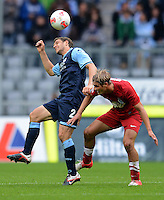 Fussball 2. Bundesliga:  Saison   2012/2013,    4. Spieltag  TSV 1860 Muenchen - MSV Duisburg    31.08.2012 Moritz Volz (li, 1860 Muenchen) gegen Soeren Brandy (MSV Duisburg)