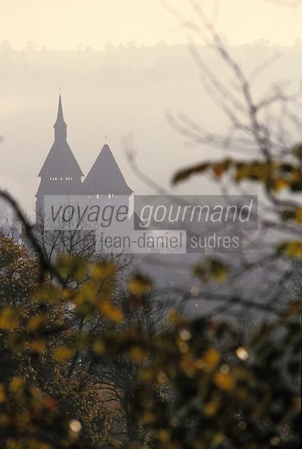 Europe/France/Limousin/23/Creuse/Chambon-sur-Voueize: Eglise Ste-Valérie - Les clochers