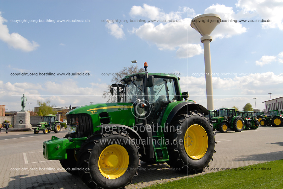 "Europa Deutschland DEU Mannheim John Deere Traktorenfabrik ehemals Lanz Maschinenfabrik. -  Wirtschaft Industrie xagndaz | .Europe Germany GER Mannheim John Deere Tractor factory.  -  industry engineering .| [ copyright (c) Joerg Boethling / agenda , Veroeffentlichung nur gegen Honorar und Belegexemplar an / publication only with royalties and copy to:  agenda PG   Rothestr. 66   Germany D-22765 Hamburg   ph. ++49 40 391 907 14   e-mail: boethling@agenda-fototext.de   www.agenda-fototext.de   Bank: Hamburger Sparkasse  BLZ 200 505 50  Kto. 1281 120 178   IBAN: DE96 2005 0550 1281 1201 78   BIC: ""HASPDEHH"" ,  WEITERE MOTIVE ZU DIESEM THEMA SIND VORHANDEN!! MORE PICTURES ON THIS SUBJECT AVAILABLE!! ] [#0,26,121#]"