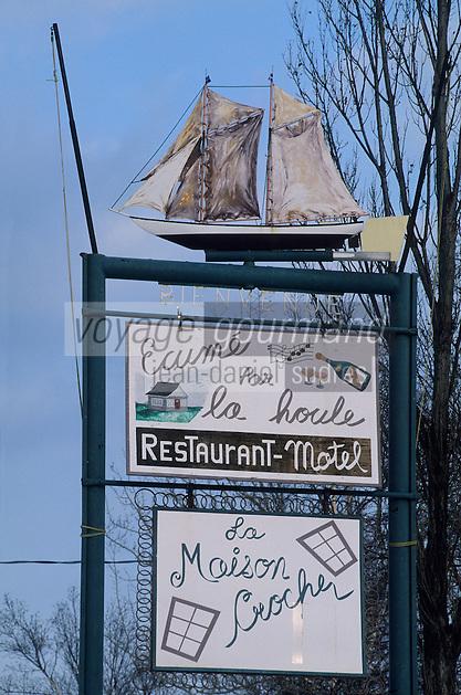 """Amérique/Amérique du Nord/Canada/Quebec/Ile-aux-Coudres : Enseigne du restaurant """"Ecumé par la Houle"""""""