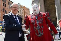 Roma, 2 Maggio 2017<br /> Carlo Giovanardi.<br /> Manifestazione al Pantheon a favore degli animali nel Circo