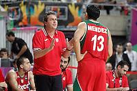 Mexico's coach Sergio Valdeolmillos with his player Orlando Mendez during 2014 FIBA Basketball World Cup Round of 16 match.September 6,2014.(ALTERPHOTOS/Acero)