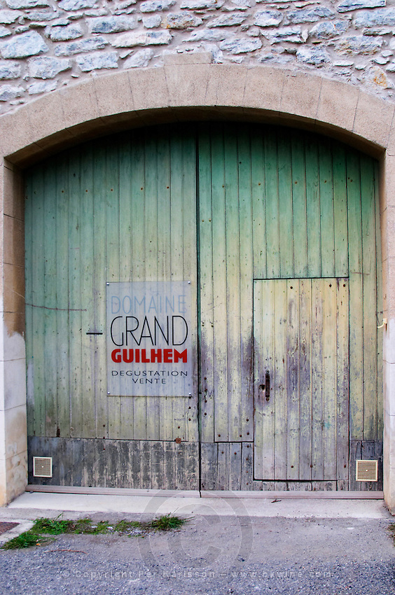 Domaine Grand Guilhem, Degustation Vente, Tasting and Sale. Domaine Grand Guilhem. In Cascastel-des-Corbieres. Fitou. Languedoc. A door. The winery building. France. Europe.