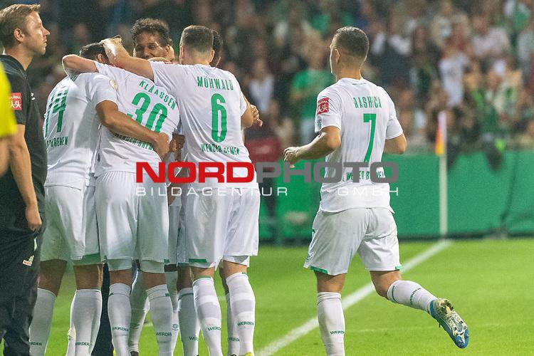 10.08.2019, wohninvest Weserstadion, Bremen, GER, DFB-Pokal, 1. Runde, SV Atlas Delmenhorst vs SV Werder Bremen<br /> <br /> DFB REGULATIONS PROHIBIT ANY USE OF PHOTOGRAPHS AS IMAGE SEQUENCES AND/OR QUASI-VIDEO.<br /> <br /> im Bild / picture shows<br /> <br /> Jubel Claudio Pizarro (Werder Bremen #14) nach dem 1:6  mit Niklas Moisander (Werder Bremen #18) und <br /> Friedrich Munder (Zeugwart Werder Bremen) der sein letztes spiel heute hatte <br /> <br /> Foto © nordphoto / Kokenge