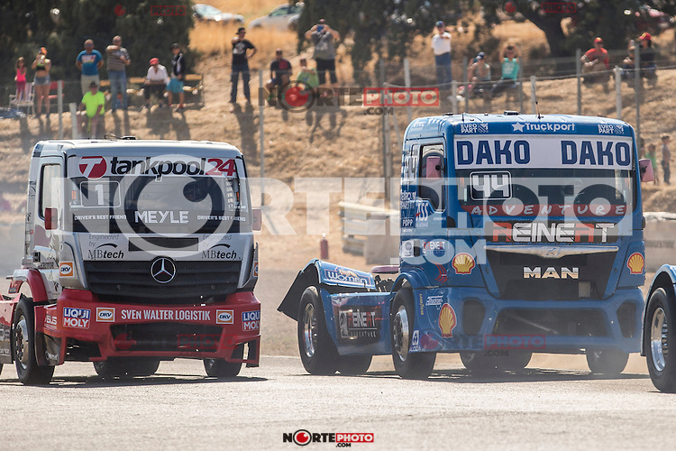Hungarian driver Norbert Kiss belonging German team Tankpool 24 Racing German driver Stephanie Halm belonging German team Stephanie Halm during the fist race R1 of the XXX Spain GP Camion of the FIA European Truck Racing Championship 2016 in Madrid. October 01, 2016. (ALTERPHOTOS/Rodrigo Jimenez) /NortePHOTO /NORTEPHOTO.COM