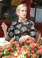 August 17, 2012 Kelly Rutherford shooting on location for Gossip Girl in New York City. &copy; RW/MediaPunch Inc. /NortePhoto.com<br /> <br /> **SOLO*VENTA*EN*MEXICO**<br /> **CREDITO*OBLIGATORIO** <br /> *No*Venta*A*Terceros*<br /> *No*Sale*So*third*<br /> *** No Se Permite Hacer Archivo**<br /> *No*Sale*So*third*