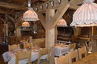"""Europe/France/Rhone-Alpes/74/Haute-Savoie/Megève: restaurant """"La Taverne du Mont d'Arbois"""" la salle"""