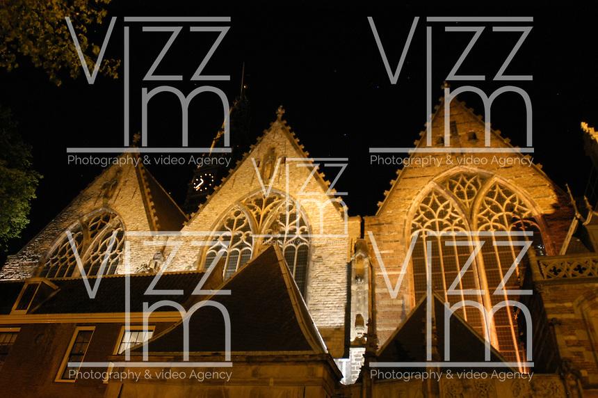 "AMSTERDAM-HOLANDA. Oude Kerk es el más antiguo edificio e iglesia de Amsterdam consagrada en 1306. The Oude Kerk (""old church"") is Amsterdam's oldest building and oldest parish church, consecrated in 1306.  Photo: VizzorImage/STR"