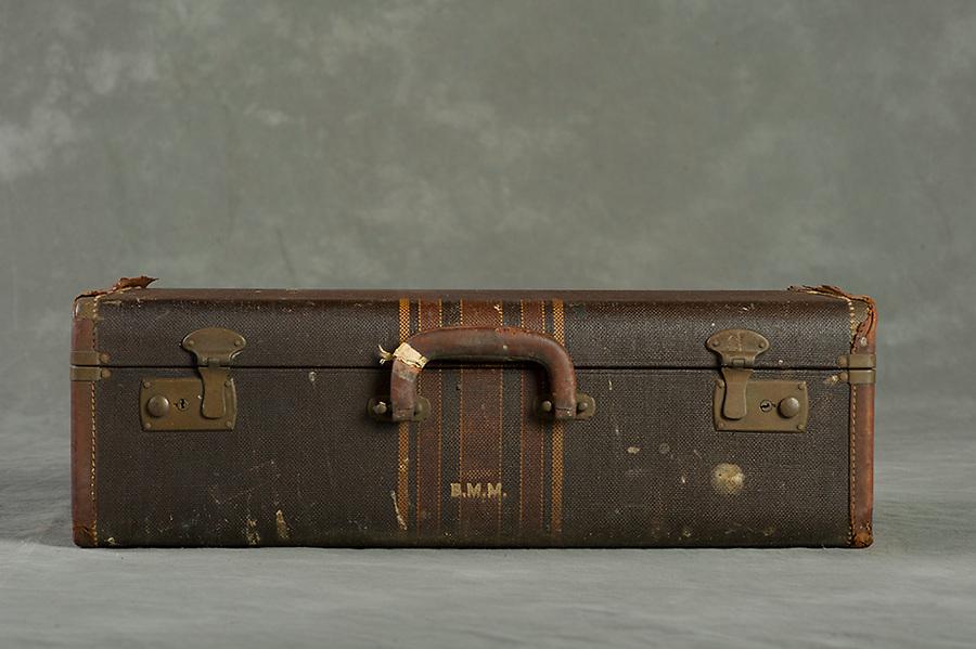 Willard Suitcases / Ina B / ©2013 Jon Crispin