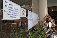 SAO PAULO, SP, 06 JANEIRO 2013 -  SEGUNDA FASE FUVEST. Nesse Domingo comeca a Segunda Fase da Fuvest, na foto um dos locais de prova a Faculdade Anhebi na Mooca. FOTO: LUIZ GUARNIERI / BRAZIL PHOTO PRESS).