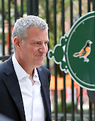 Mayor Bill de Blasio (Democrat of New York, New York) walks across the street from the Hilton Baltimore, after participating in a press conference hosted by the United States Conference of Mayors, to watch the Yankees-Orioles game at Orioles Park at Camden Yards in Baltimore, Maryland on Saturday, October 3, 2015.<br /> Credit: Ron Sachs / CNP<br /> (RESTRICTION: NO New York or New Jersey Newspapers or newspapers within a 75 mile radius of New York City)