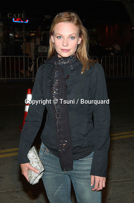 Samantha Mathis arriving at the premiere of The RING  at the Bruin Theatre in Los Angeles. October 9, 2002.           -            MathisSamantha13.jpg