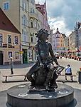 Zielona Góra (woj. lubuskie), 20.07.2013. Pomnik Bachusa na deptaku w Zielonej Górze.
