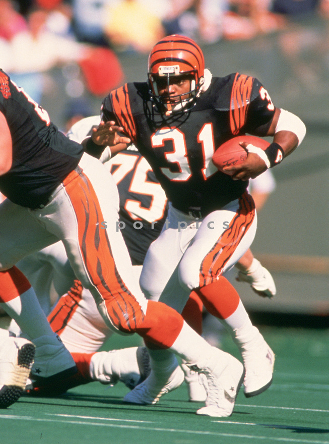 Cincinnati Bengals Ickey Woods (31) during a game from his 1988 season with the Cincinnati Bengals. Ickey Woods  played for 4 years, all with the Cincinnati Bengals.(SportPics)