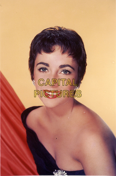 ELIZABETH TAYLOR.headshot portrait strapless off the shoulder .*Editorial Use Only*.CAP/STF/PEL.Supplied by Capital Pictures.