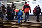 Nach den Massenprotesten in Bukarest / Rumänien 08.02. 2017. / Die Aktivisten und Teile der Bevölkerung fordern auch nach der Rücknahme des Gesetzes, dessen Entwurf die Proteste mobilisiert haben,einen Rücktritt der Regierung. /  Anlässlich der geplanten Änderungen der Anti-Korruptionsgesetze gingen Zehntausende auf die Straße. Die größten Demonstrationen seit 26 Jahren.