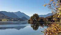 Austria, Styrian Salzkammergut, Goessl at Grundl Lake: autumn scenery | Oesterreich, Steyrisches Salzkammergut, Goessl am Grundlsee: Herbststimmung