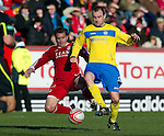 Aberdeen v St Johnstone....19.02.12   SPL.Dave Mackay and Darren Mackie.Picture by Graeme Hart..Copyright Perthshire Picture Agency.Tel: 01738 623350  Mobile: 07990 594431