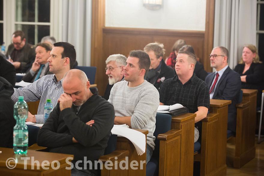 Frust nach den Wahlgängen bei AfD // Neuköllner AfD-Stadtrat bei zweiter BVV-Sitzung erneut nicht gewählt.